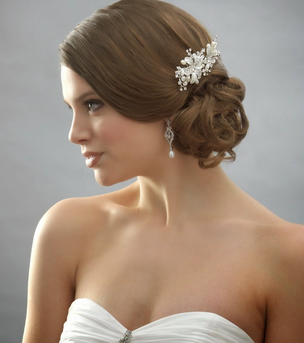 bridal hair combs with flowers accessories - wedding hairstyle