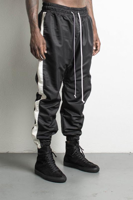 parachute track pant in black