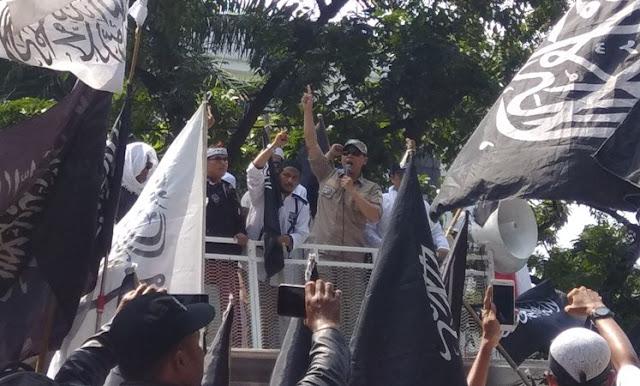 Munarman: Kita Tidak akan Biarkan Panji Rasulullah Dihina