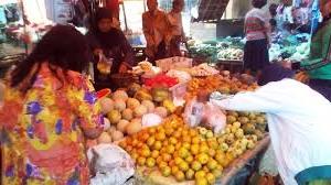 Wisata Belanja Murah di Pasar Legi, Tulungagung