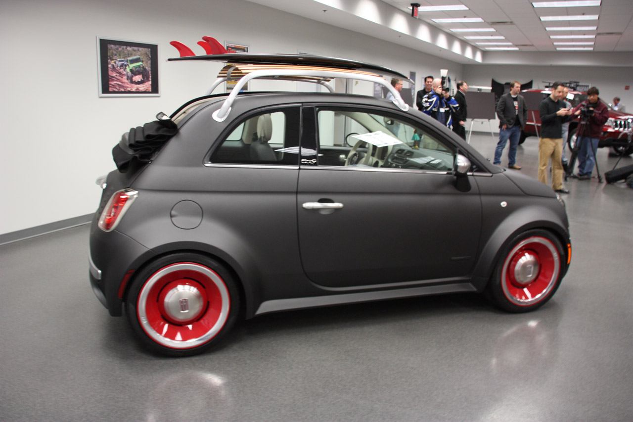 The Fiat 500 Beach Cruiser Wouldn T Be Complete Without Cherry On Top A Hula Figurine Placed Front And Center Dash
