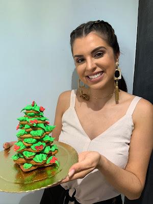 Mônica com árvore de Natal de biscoito - Divulgação
