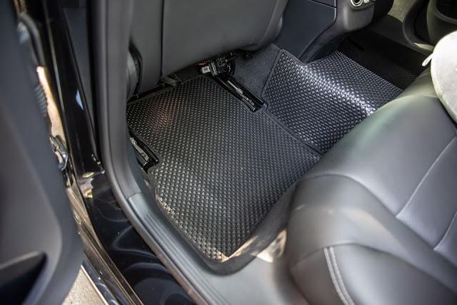 Thảm lót sàn Mercedes C180 2020