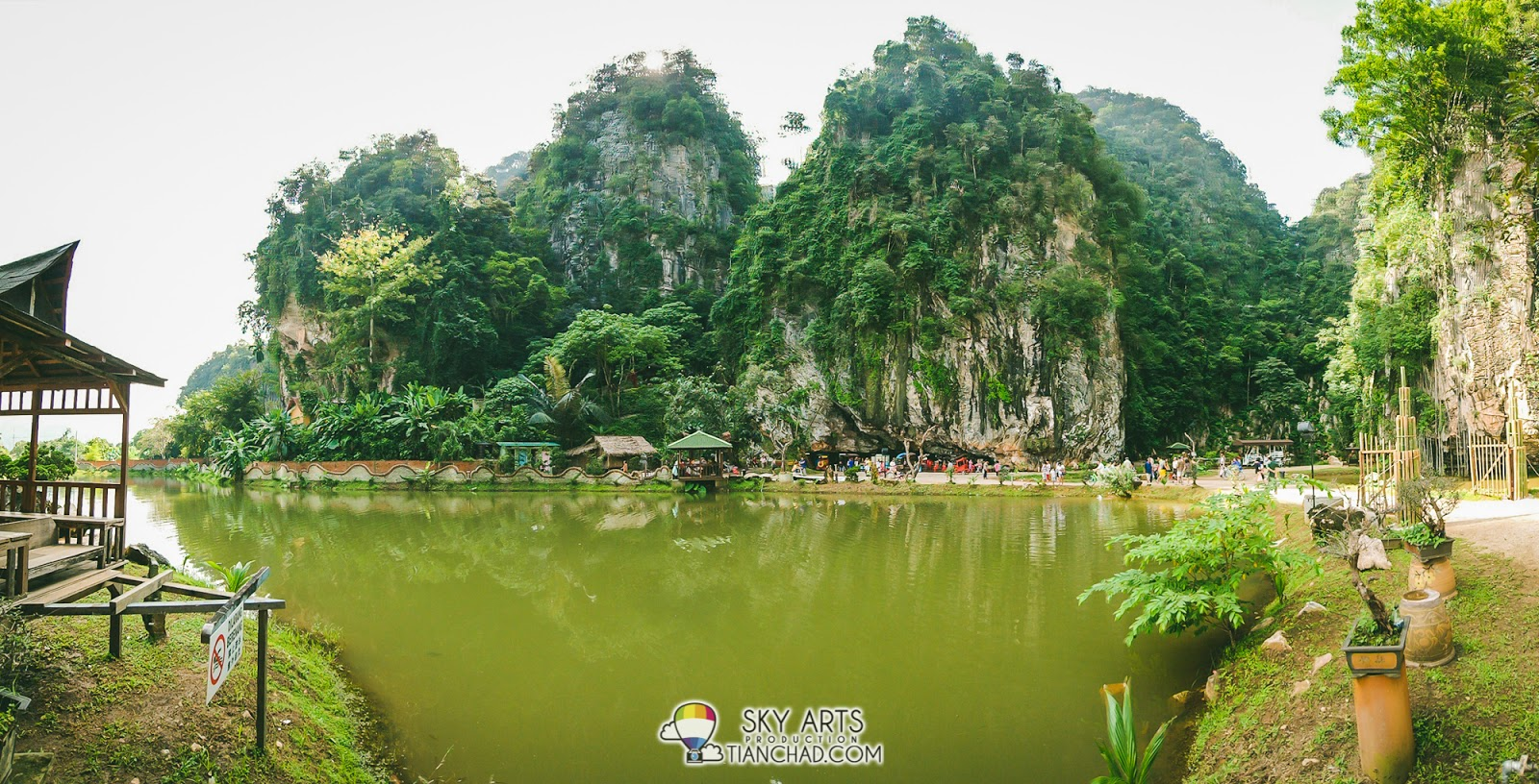 The beautiful scenery that you can see once you enter Qing Xin Ling
