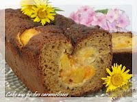 Cake aux pêches caramélisées, sans gluten et sans lactose