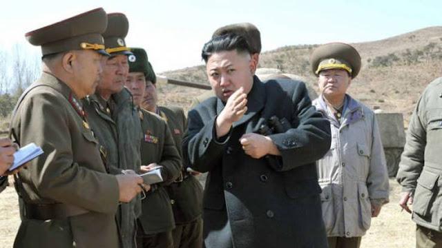 ضابط يقفز على ظهر زعيم كوريا الشمالية الصورة اثارت استغراب الجميع...وقامت وكالة رسمية للبلاد بنشرها