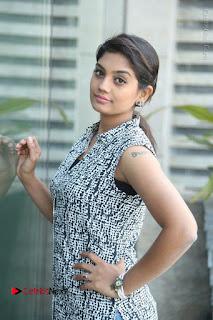 Telugu Television Actress Karuna Latest Pos In Denium Jeans  0068.JPG