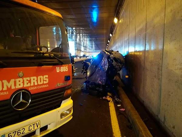 Accidente tráfico túnel Julio Luengo, 8 enero