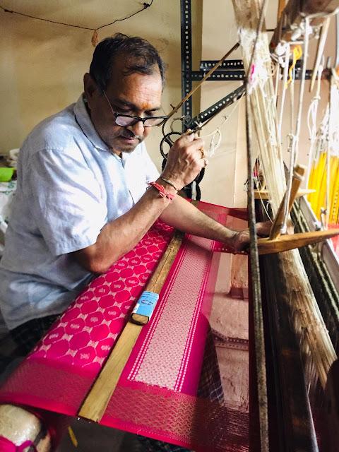 माहेश्वरी साड़़ी़ और हथकरघा बुनकर, Handloom weaver of Maheshwari Saree