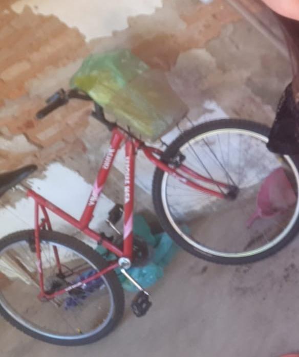 Jovem com 30 anos preso por furto de bicicleta no centro de Elesbão Veloso.