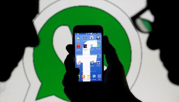 Come evitare che WhatsApp passi le tue informazioni a Facebook.