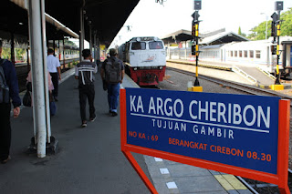 Hut RI Ke 74, KAI Daop 3 Cirebon Ganti Argo Jati Menjadi Argo Cheribon
