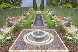 تنسيق الحدائق وزرع الورود وتقليم الاشجار روائع طيبة