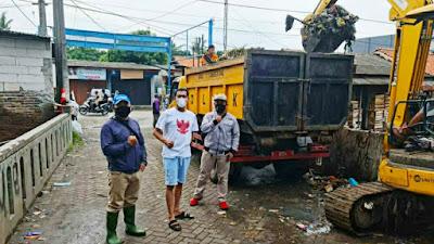 Kades Kampung Melayu Barat SBR Perang Terhadap Sampah