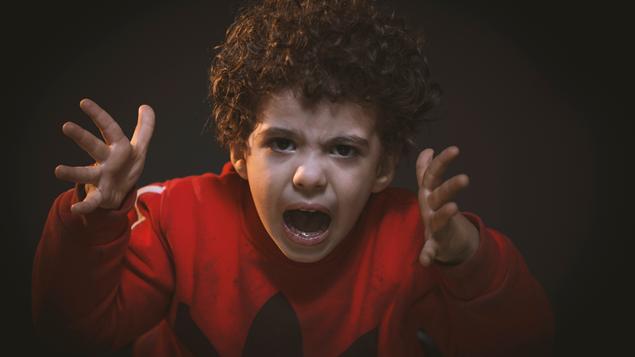 Orang Tua Berbeda Pola Asuh Terhadap Anak