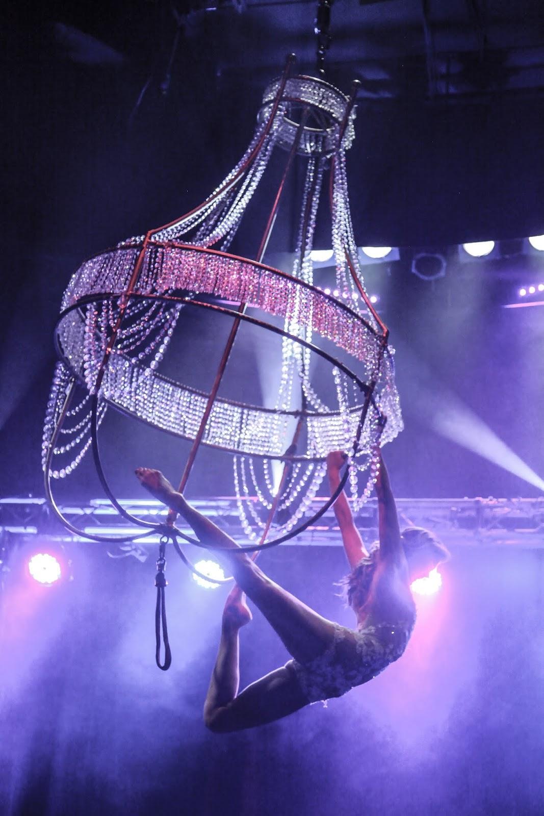 Sexy circus omroeper stock