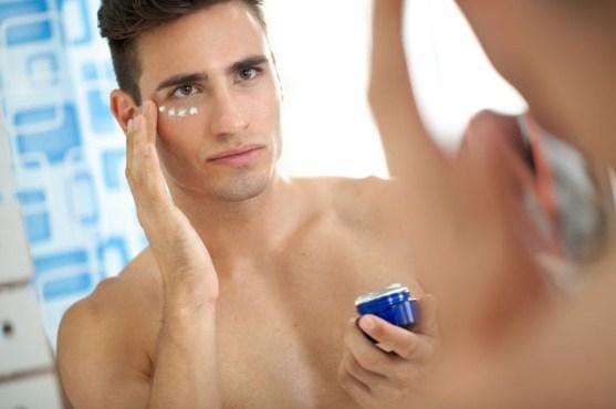 9 Perawatan Kulit Wajib di Lakukan Pria