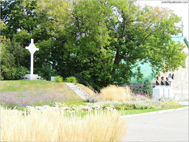 Monumento Conmemorativo Cruz de Vimy en la Ciudadela de Quebec
