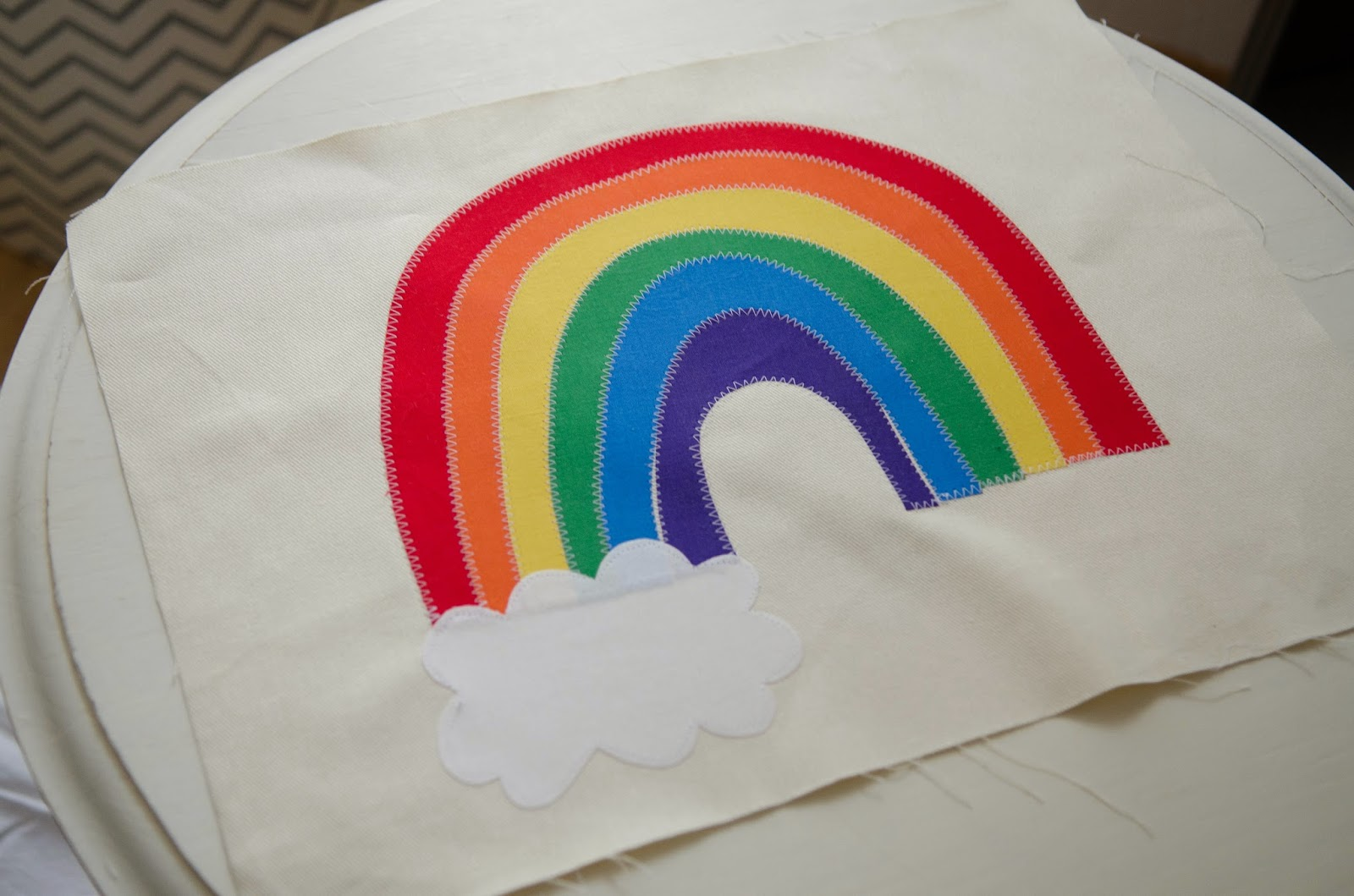 'pot of gold' rainbow placemats