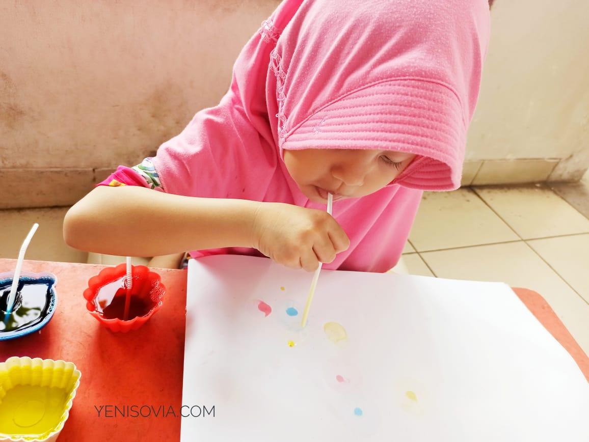 kegiatan anak usia dini membuat lukisan
