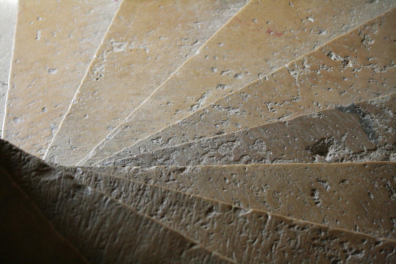 Marches de la Tour Philippe Le Bon, pierre de Bourgogne