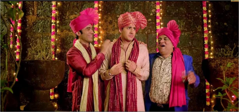 Crazy Cukkad Family frightening the Dulha (groom)