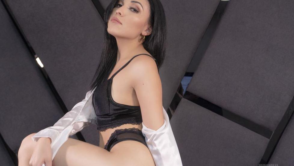 BrunaDaSilva Model GlamourCams