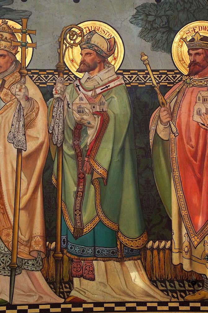 Santo Agostinho de Cantuária segura na mão a primeira igreja que fundou