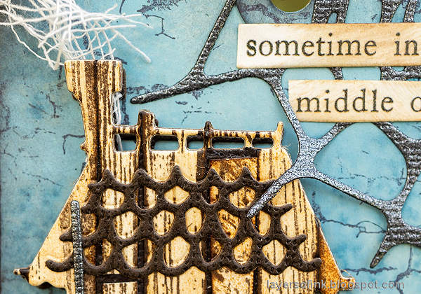Layers of ink - Old Spooky House Tutorial by Anna-Karin Evaldsson. Misty skies with distress oxide ink.