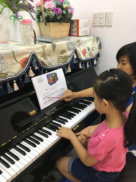 Giờ học piano ở quận 2
