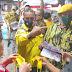 MEDAN: AMPG Medan Bagi Masker Dan Belusukan Ke Pasar Sosialisasikan Kemenangan Bobby Aulia