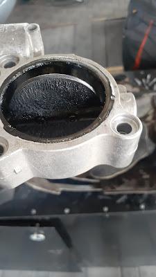 BMW грязная дроссельная заслонка