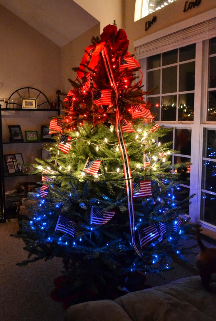 Confessions of a Holiday Junkie!: Christmas in July Day 3: Patriotic Christmas Trees on a Budget