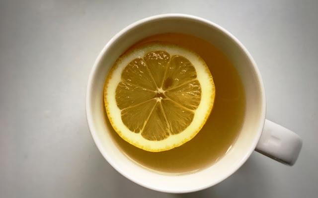 napój imbirowy z miodem i cytryną