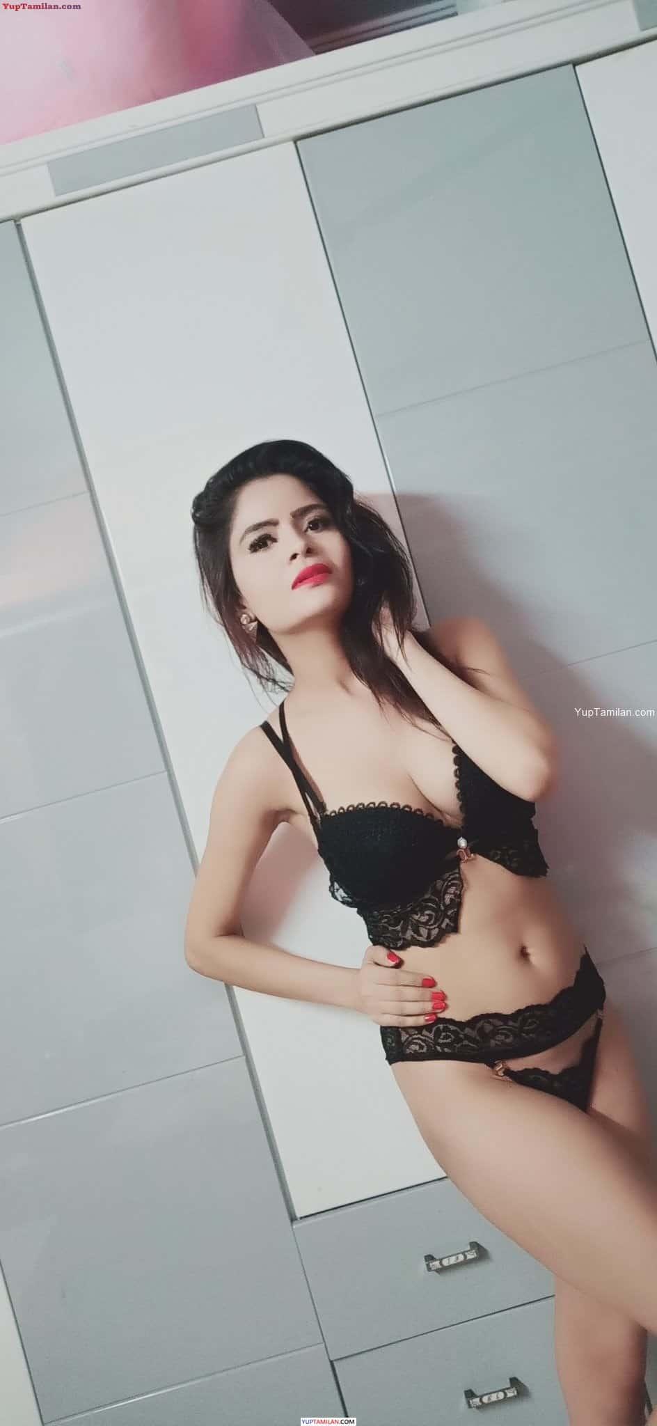 Gehana Vasisth in Black Lingerie Photos