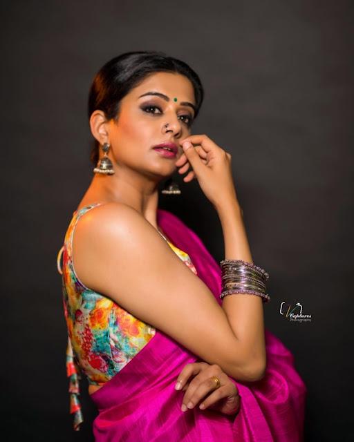 Tamil Actress Priyamani Recent Pictures in Saree Actress Trend