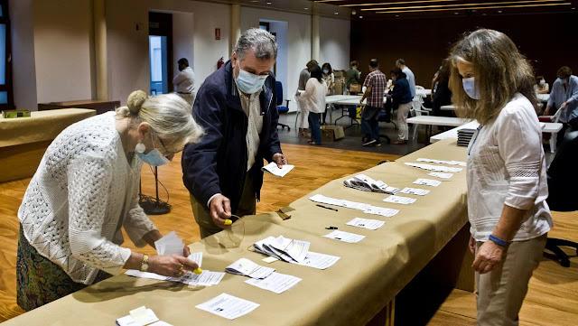 El voto de la emigración da el escaño 42 al PPdeG en la provincia de Pontevedra