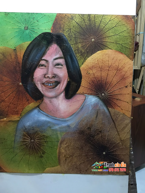 Vẽ tranh chân dung sơn dầu nghệ thuật nền hoa sen