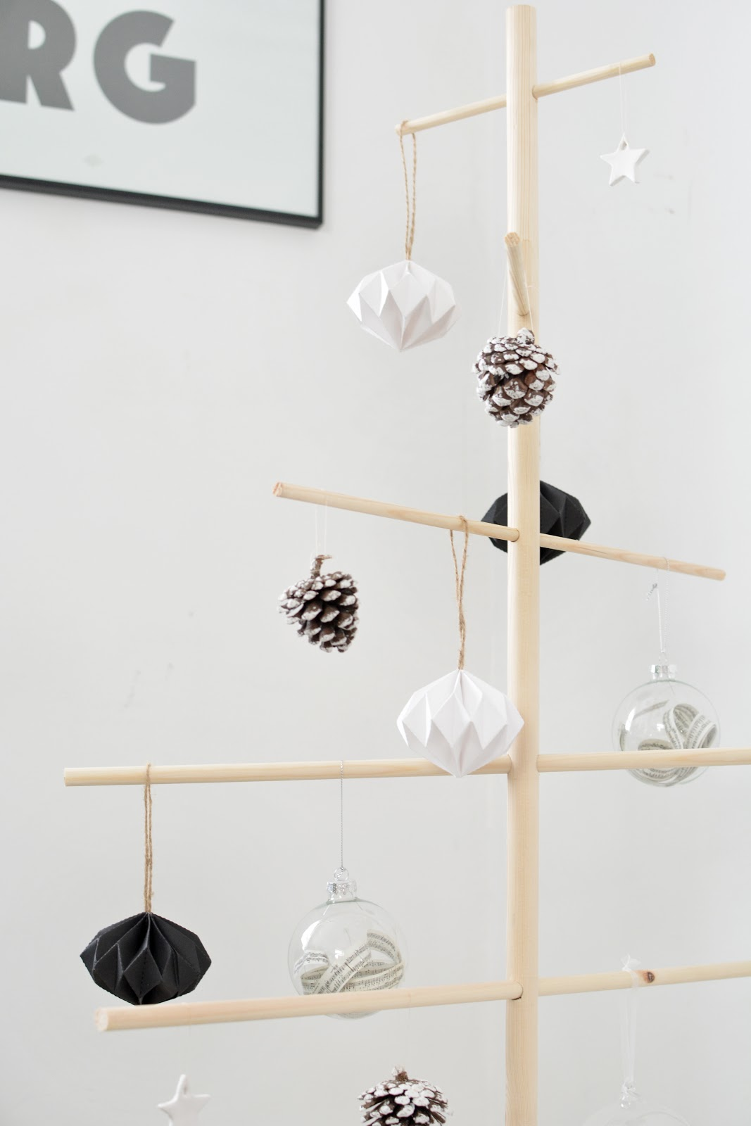 modern christmas decorations minimal tree