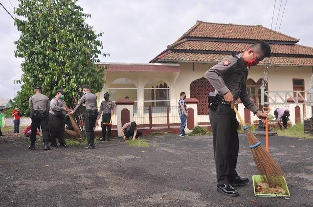 Jelang New Normal Polres Banjar Dan Polsek Banjar Aktifkan Kembali Masjid