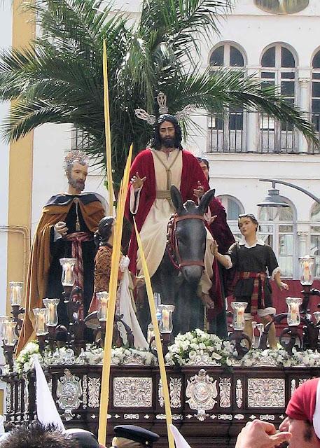 Jesus entrando em Jerusalém, no Domingo de Ramos.