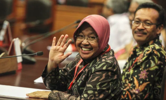 Penyakit Asma dan Maag Kambuh Akibat Kelelahan, Ibu Risma Dilarikan Kerumah Sakit