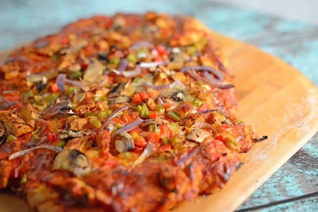 Delicious Jerked Chicken Pizza Recipe at Home
