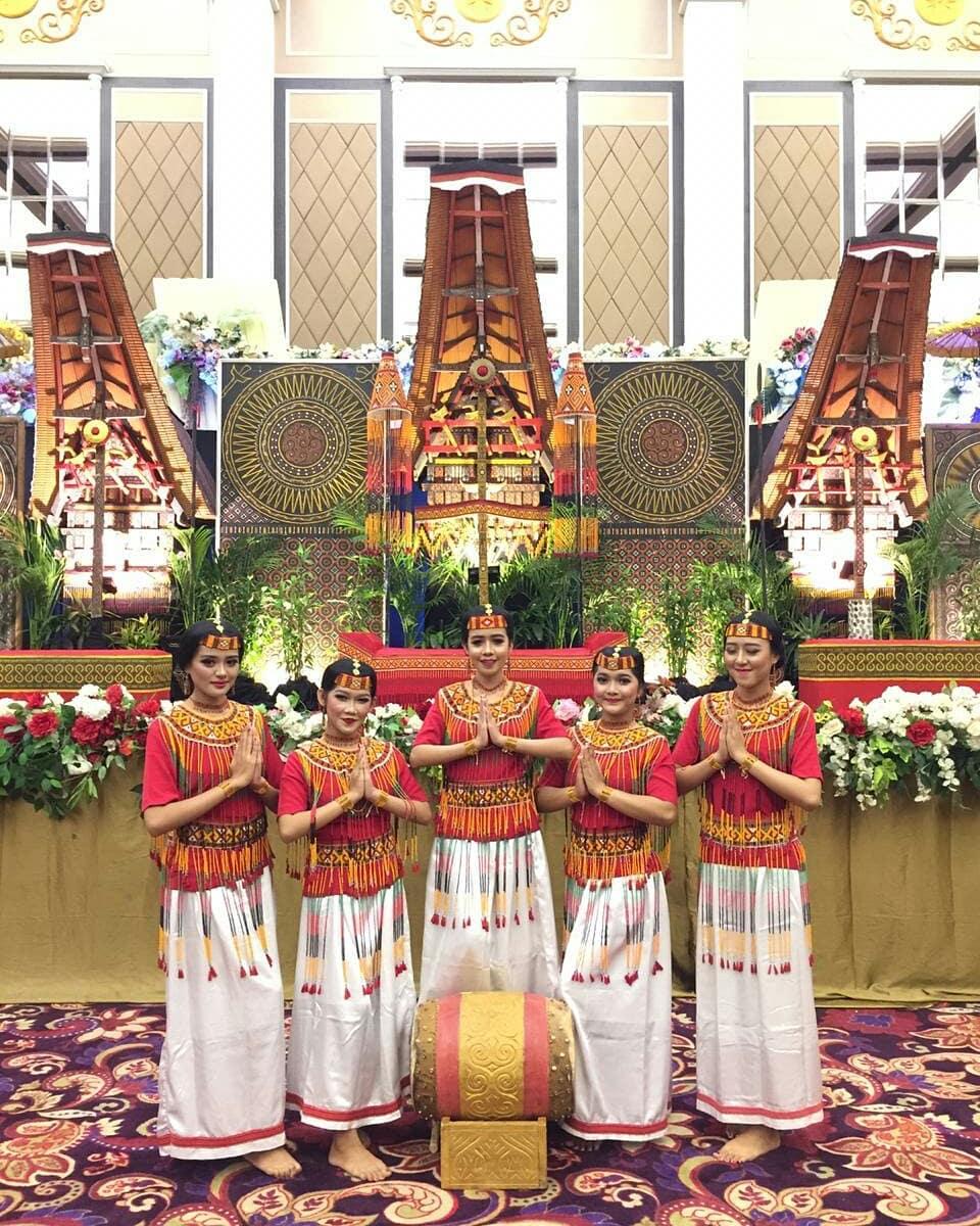 Dekorasi pernikahan Toraja