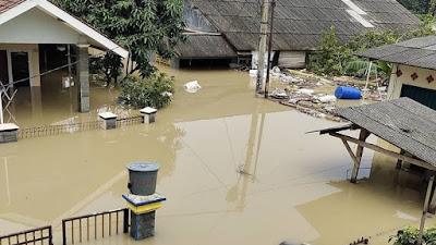 Hampir 15.000 KK Terdampak Banjir di 15 Kecamatan di Kabupaten Karawang