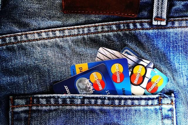 Negyvenöt ember bankkártyaadatait csalta ki egy büntetés-végrehajtási intézetben lévő férfi