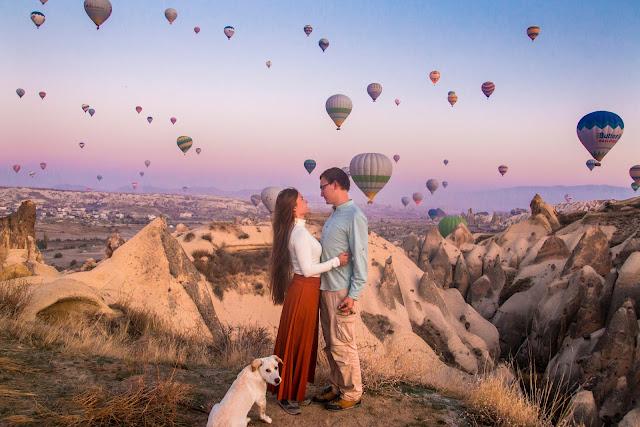 Kapadocja, wschód słońca, balony