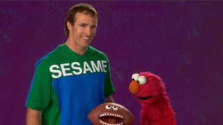 Drew Brees and Elmo present the word Measure. Sesame Street The Best of Elmo 3