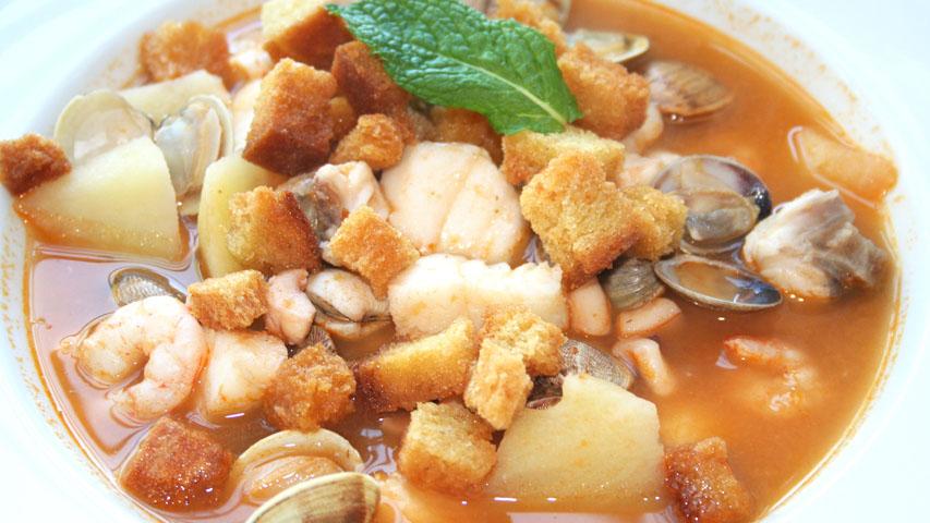 Cocina muy sencilla sopa de pescado y marisco - Sopa de marisco y pescado ...
