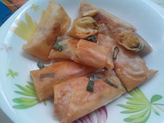 Vegetable Chicken Stick Spring Roll Siap disajikan